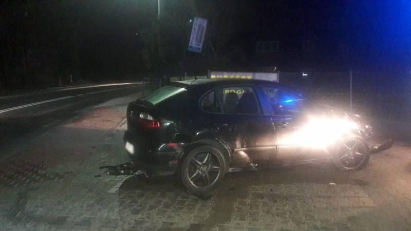 Krynica-Zdrój:  Seat wypadł z drogi i uderzył w ogrodzenie