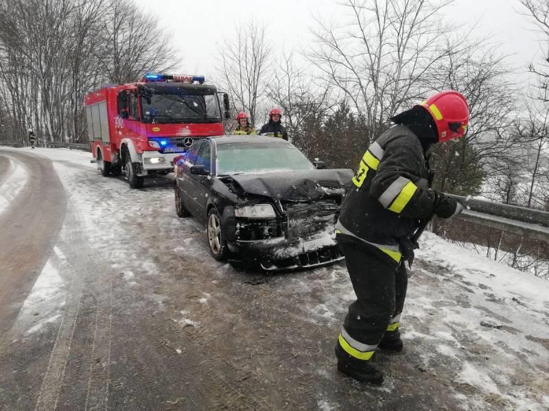 Żegiestów: Zderzenie dwóch samochodów osobowych