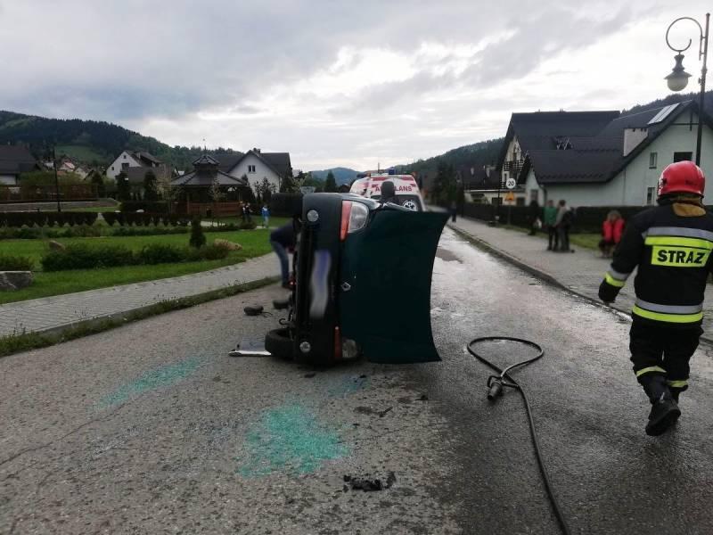Powroźnik. Zderzenie dwóch samochodów osobowych – Jena osoba poszkodowana