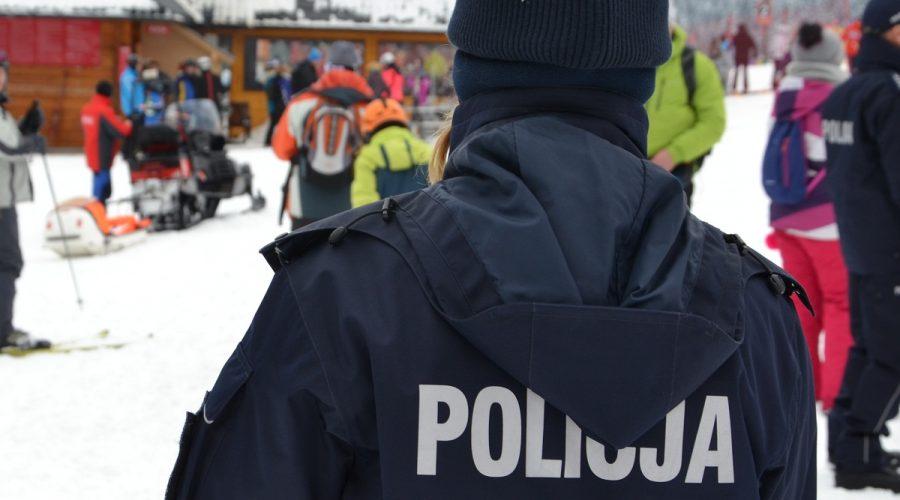 Ferie na drogach i stokach w podsumowaniu sądeckich policjantów