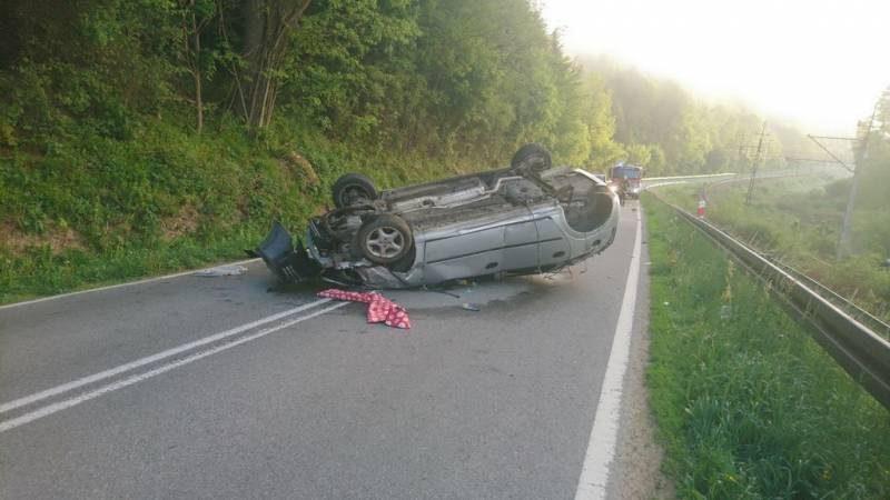 Pijany kierowca spowodował wypadek w Żegiestowie i ciekł z miejsca zdarzenia