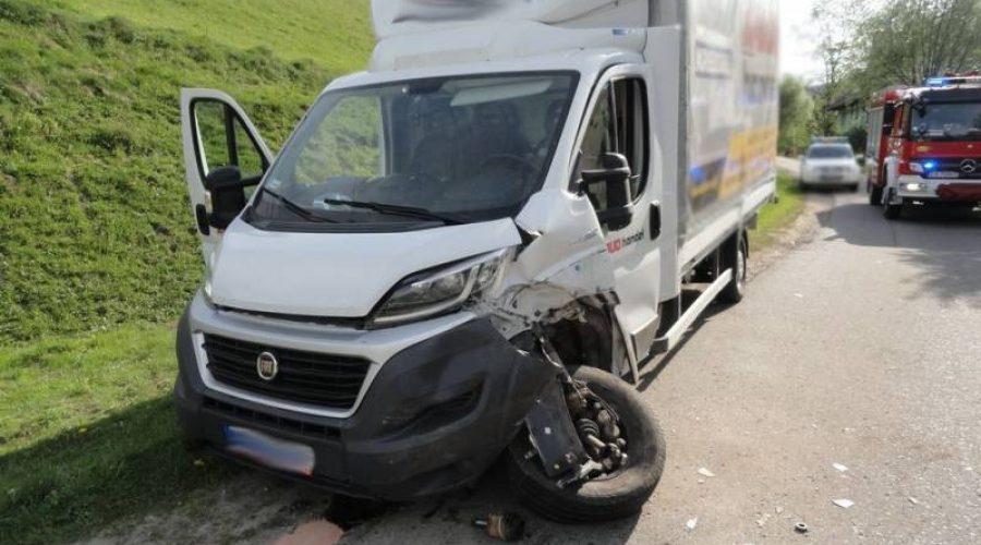 Roztoka Wielka: Zderzenie samochodu dostawczego i osobowego
