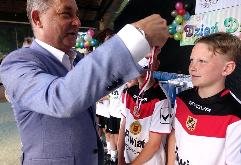 Muszyna: Młodzi piłkarze z medalami