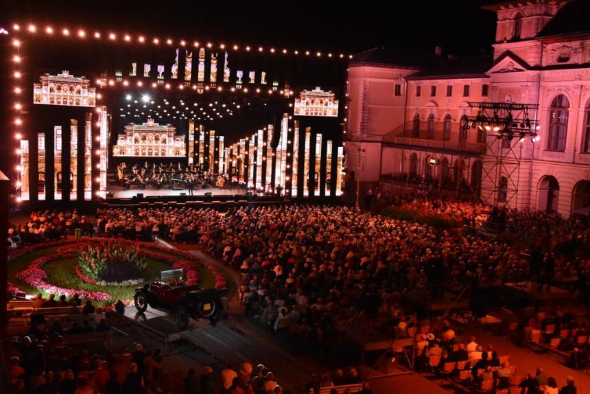 W niedzielę o 20.05 TVP2 pokaże Finałowy koncert Festiwalu im. Jana Kiepury w Krynicy-Zdroju