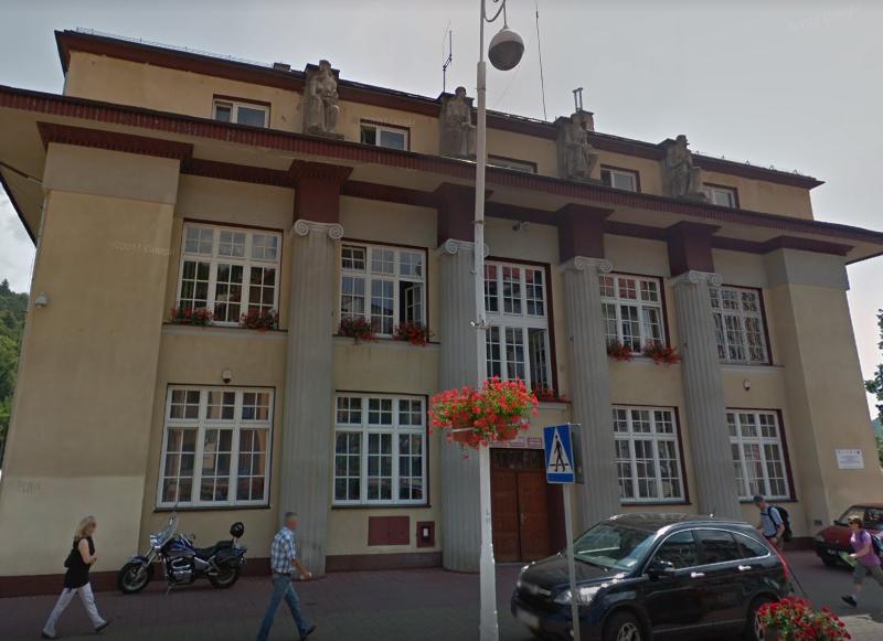 Urząd Miejski w Krynicy-Zdroju - foto. Google Street View