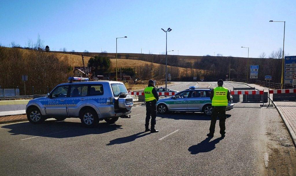 Policjanci z Krynicy-Zdroju i Muszyny wspólnie z funkcjonariuszami Straży Granicznej dbają o bezpieczeństwo na przejściach granicznych