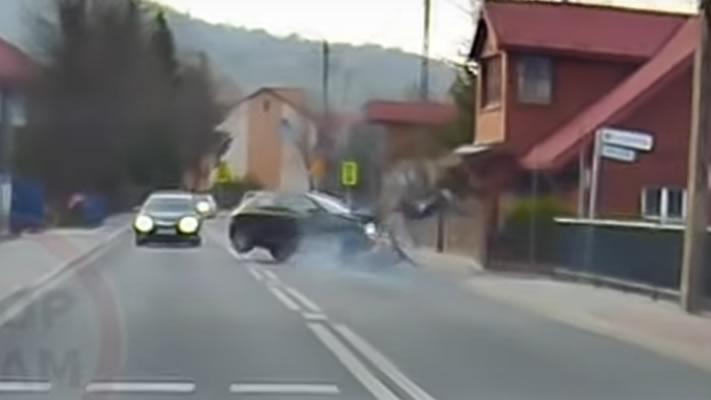 Wypadek z udziałem motocyklisty w Krynicy-Zdroju