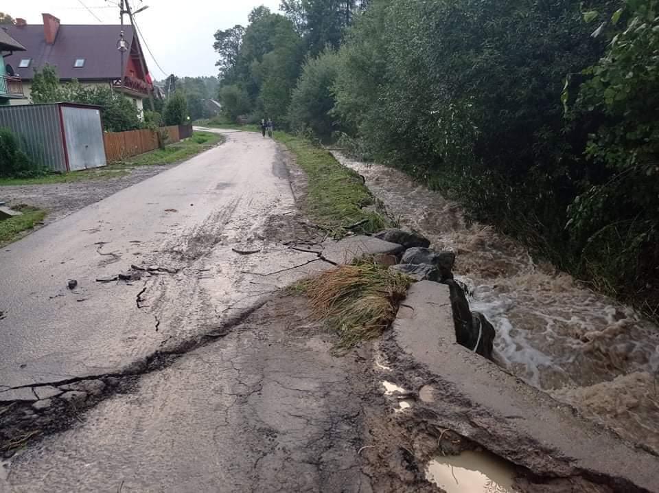 Muszyna. Deszcz zniszczył drogi
