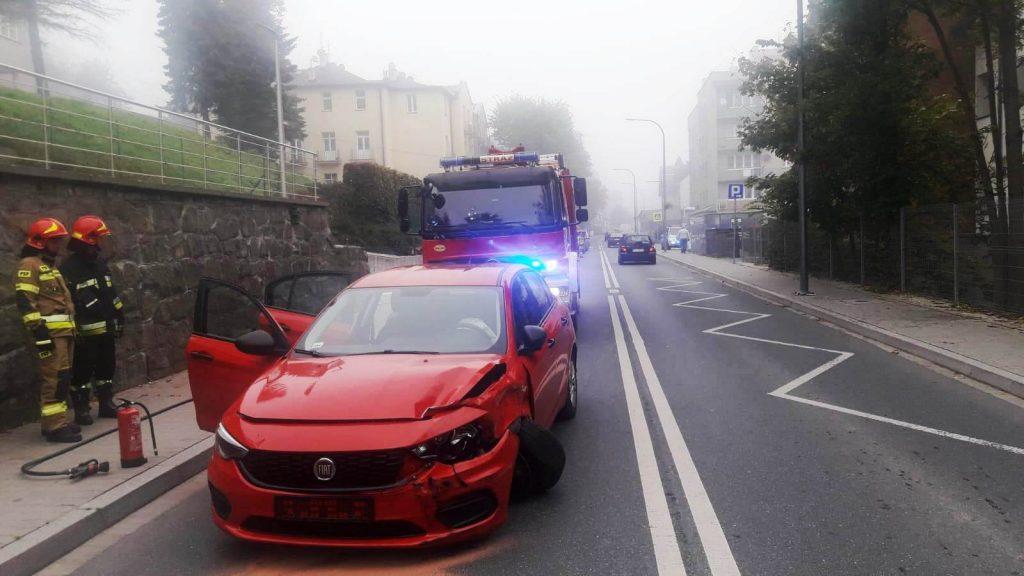 Krynica-Zdrój. Zderzenie trzech samochodów na ul. Kraszewskiego